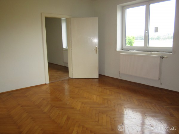Haus Einfamilienhaus Und Villa Kauf 4300 Stvalentin 1500 M²